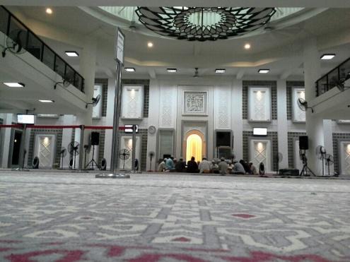 Majlis Tadarus Al-Quran selepas solat Tarawikh.