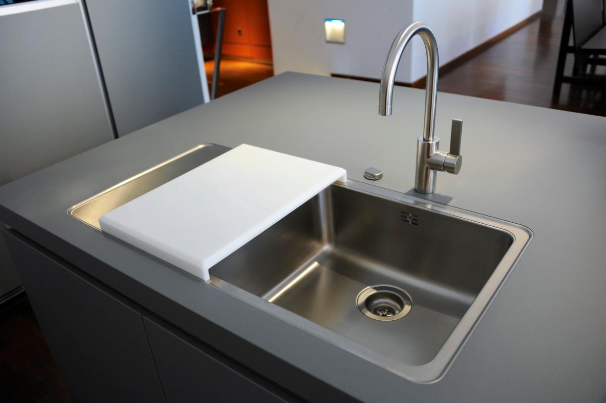 Undermount Kitchen Sink Set Back